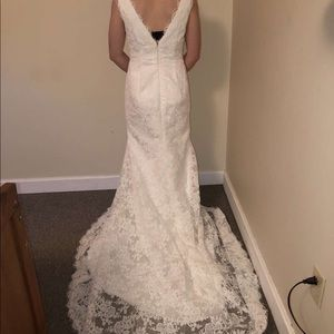 Dresses & Skirts - Size 2 lace wedding dress. Has not been altered